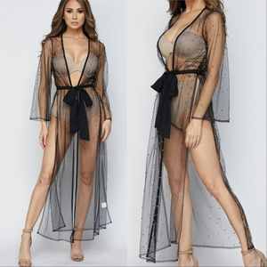 BEADED DETAILED MESH DUSTER